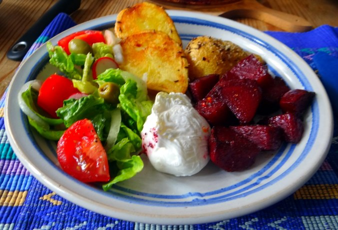 Rote Beete Gemüse,Kümmelkartoffeln,Salat,Quarkspeise,vegetarisch (18)