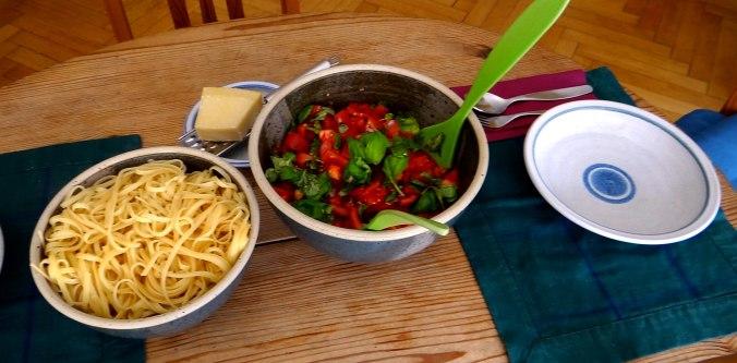 Spaghetti mit Tomatensugo (4)