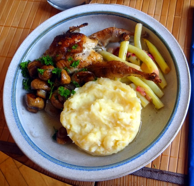 Wachteln,Kartoffel-Sellerie Stamp,Bohnensalat,Champignon (1)