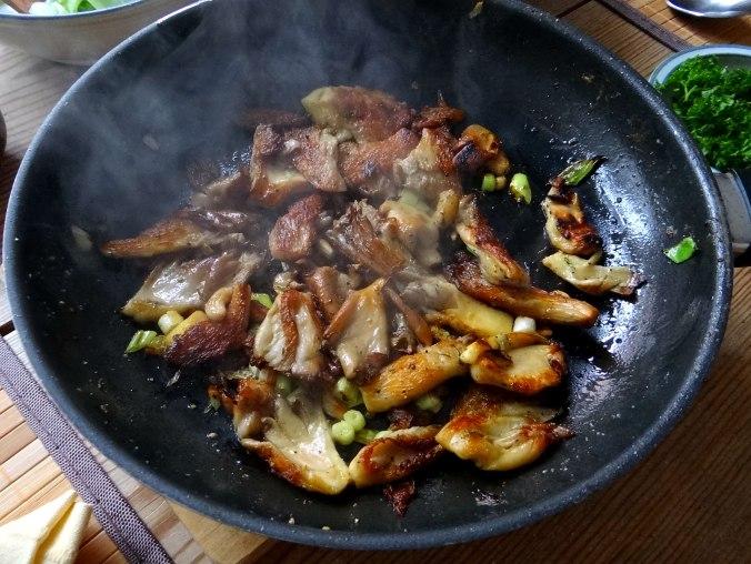 Austernpilze,Gurkensalat,Kopfsalat,Pellkartoffeln,vegetarisch (7)