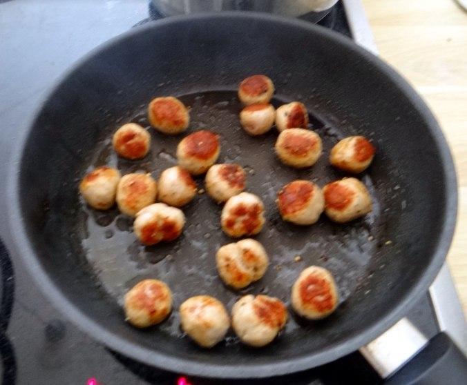 Bunte Möhren,Pellkartoffeln,Pflaumenkompott,vegetarisch (15)
