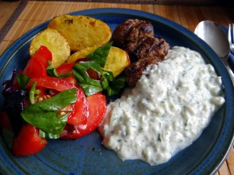 Cevapcici,Tzatziki,Ofenkartoffeln,Tomatensalat,Smoothie (17)