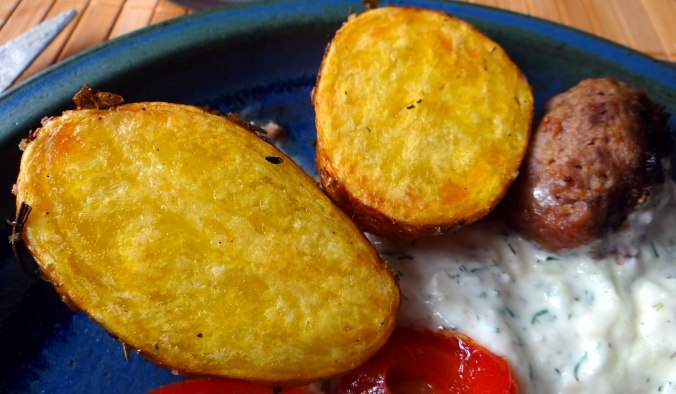 Cevapcici,Tzatziki,Ofenkartoffeln,Tomatensalat,Smoothie (4)