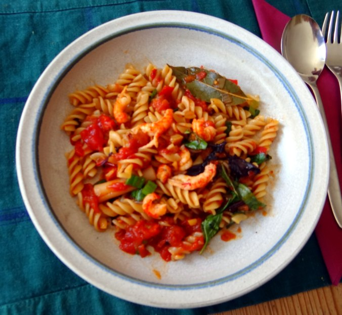 Emmer-Spirelli,Tomatensauce,Flußkrebse,Basilikum (13)