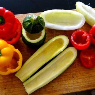 Gefüllte Paprika,Schmorgurke,Tomate,Zucchini,Reis,Bananeneis (10)