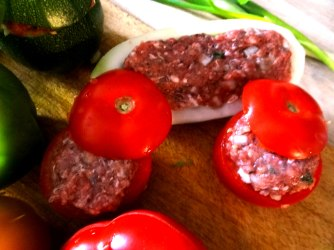 Gefüllte Paprika,Schmorgurke,Tomate,Zucchini,Reis,Bananeneis (14)