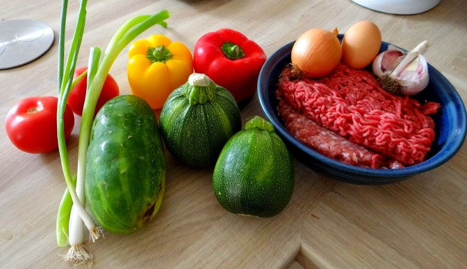 Gefüllte Paprika,Schmorgurke,Tomate,Zucchini,Reis,Bananeneis (6)