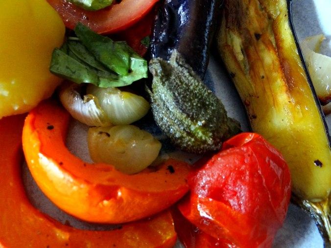 Kartoffeln,Hokkaidospalten,Auberginen,Tomatensalat (3)