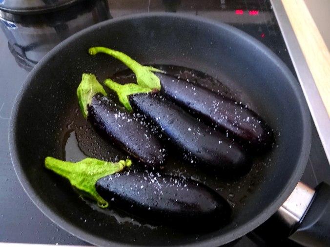 Kartoffeln,Hokkaidospalten,Auberginen,Tomatensalat (5)