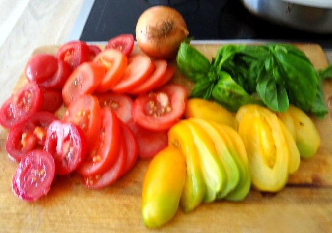 Kartoffeln,Hokkaidospalten,Auberginen,Tomatensalat (6)