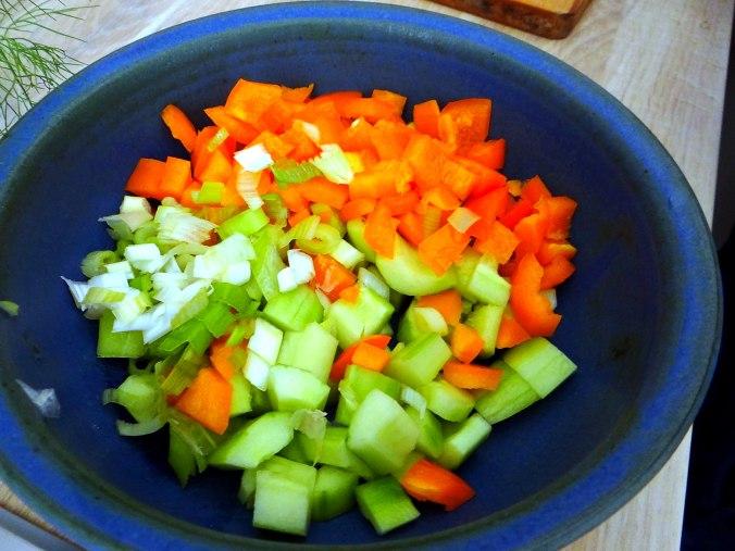 Lachsforelle,bunter Salat,Römersalat,Pellkartoffeln,pescetarisch (6)