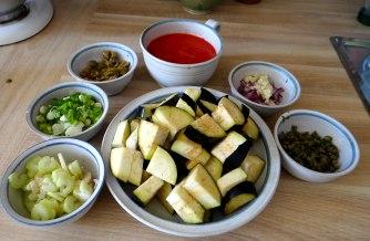 Süß-saures Auberginengemüse,CousCous,Salat,vegetarisch (6)