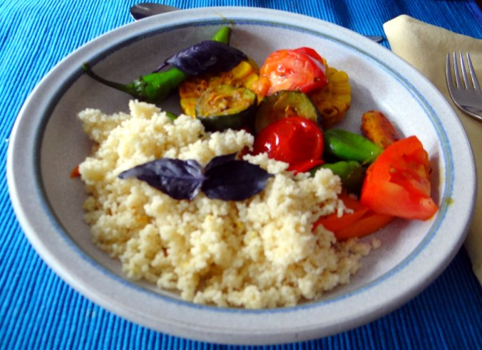Wok Gemüse,Couscous,Gurkensalat (19)