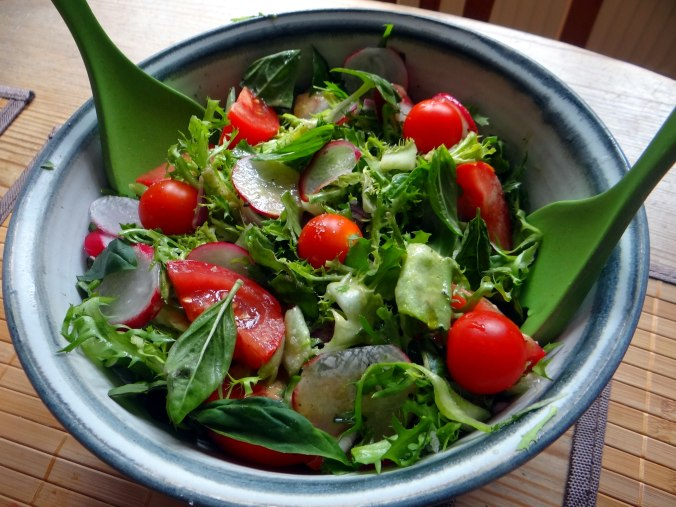 Brathering,Pellkartoffeln,Frisee Salat,Quarkspeise (10)