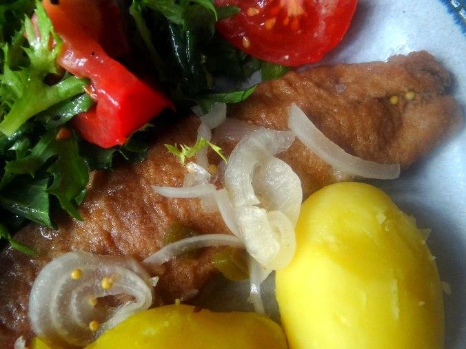 Brathering,Pellkartoffeln,Frisee Salat,Quarkspeise (3)