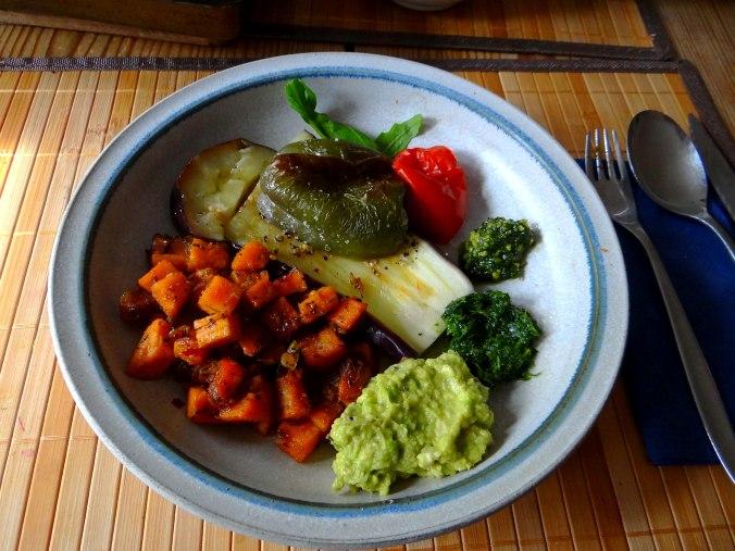 Glasierte Süßkartoffeln und Ofengemüse (1)