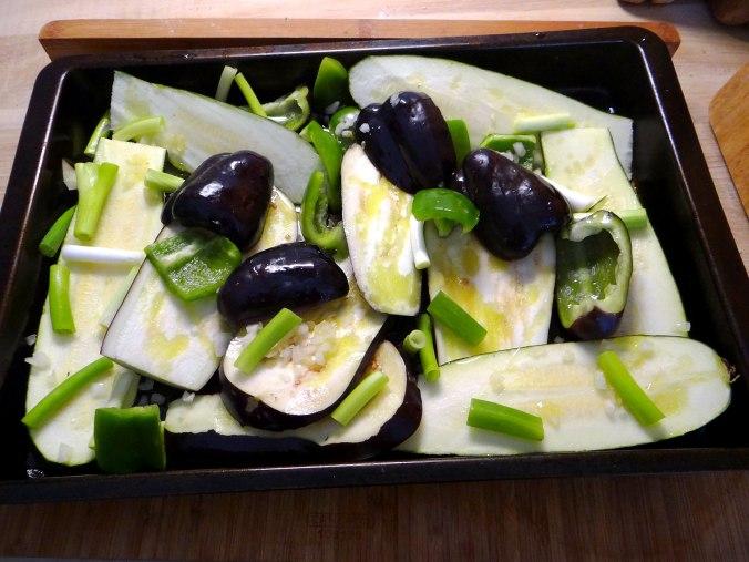 Glasierte Süßkartoffeln und Ofengemüse (11)