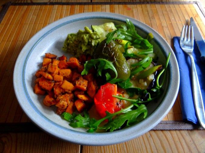 Glasierte Süßkartoffeln und Ofengemüse (16)
