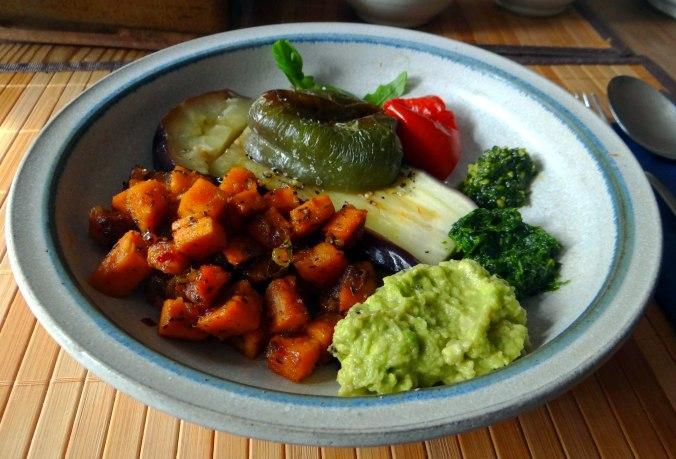 Glasierte Süßkartoffeln und Ofengemüse (17)