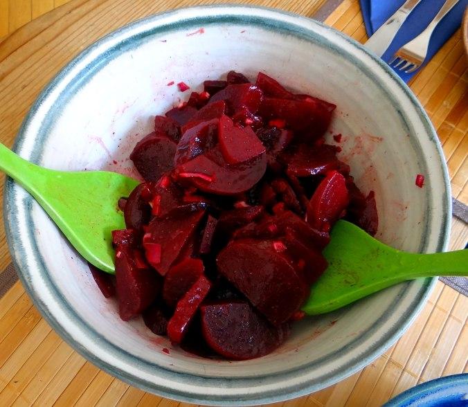 Matjes Tatar,Rote Beete Salat,Pellkartoffeln,Apfelkompott (8)