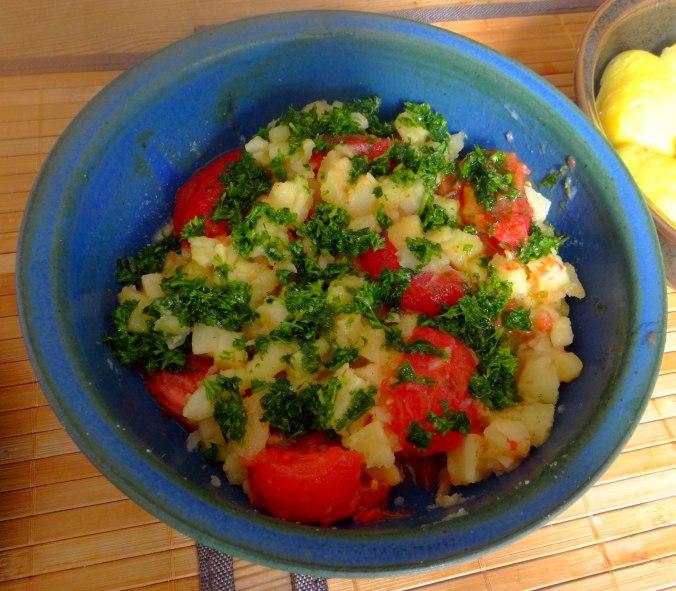 Pastinaken mit Tomaten,Pellkartoffeln (6)