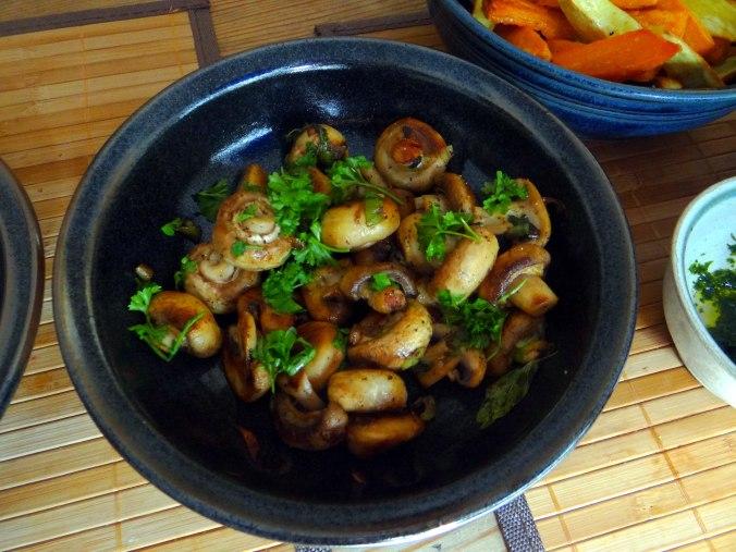 Pastinaken Pommes,Champignon,Ei,Salat,Birnenmus 1 (14)