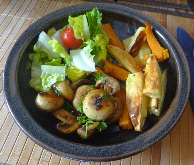 Pastinaken Pommes,Champignon,Ei,Salat,Birnenmus 1 (16)