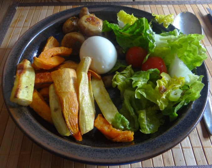 Pastinaken Pommes,Champignon,Ei,Salat,Birnenmus 1 (17)