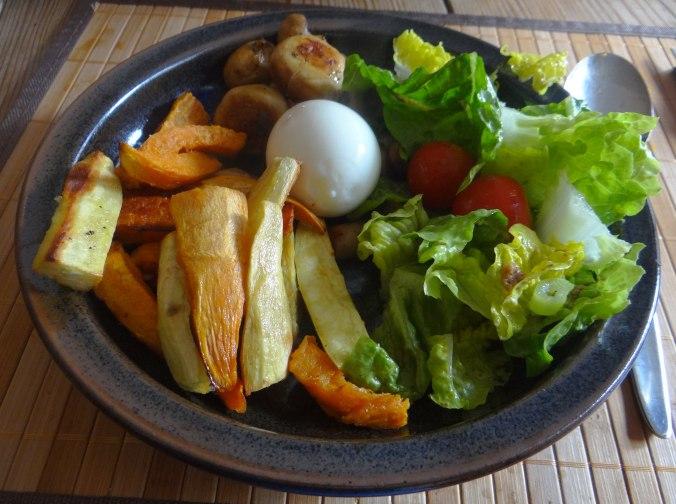 Pastinaken Pommes,Champignon,Ei,Salat,Birnenmus 1 (18)