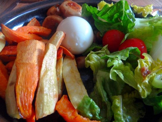 Pastinaken Pommes,Champignon,Ei,Salat,Birnenmus 1 (19)