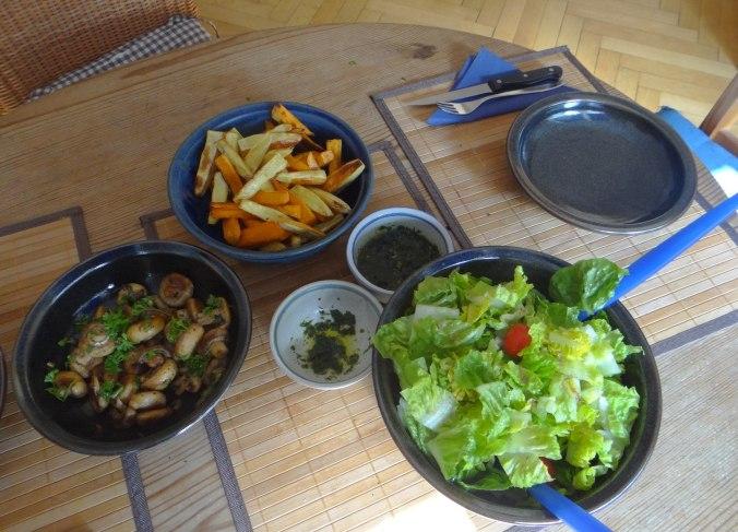 Pastinaken Pommes,Champignon,Ei,Salat,Birnenmus 1 (4)