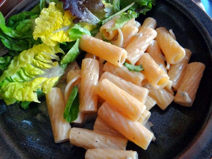 Rigatone,Gorgonzolasauce,Salate (12)