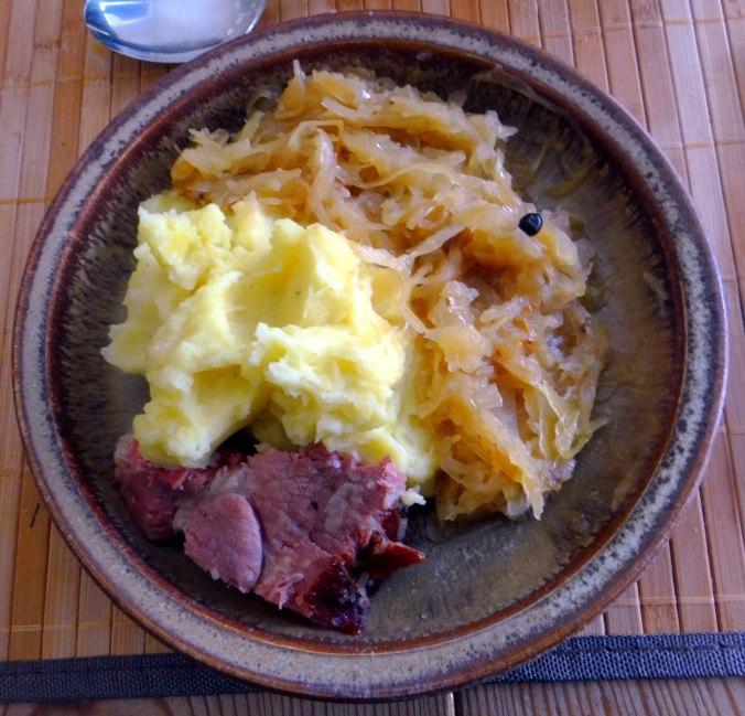 Sauerkraut,Kartoffelpü,Kassler,Dessert (15)