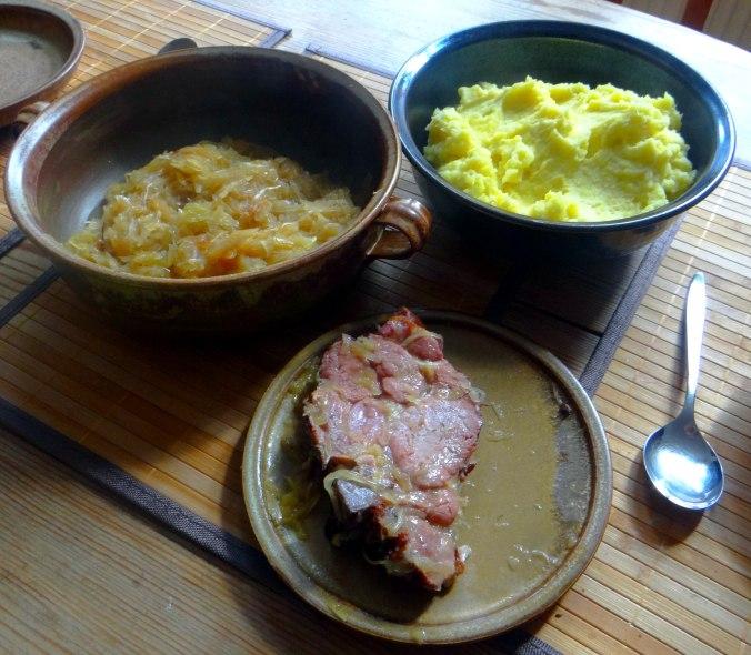 Sauerkraut,Kartoffelpü,Kassler,Dessert (4)