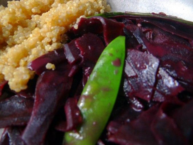 Schwarze Möhren mit weißem Quinoa (3)