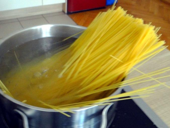 Spaghetti mit zweierlei Muscheln,Apfelkompott (10)