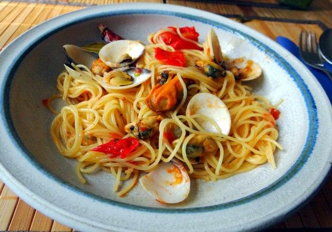 Spaghetti mit zweierlei Muscheln,Apfelkompott (14)