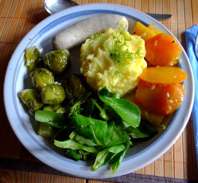 Weißwurst,Salate,Kartoffelstampf (1)