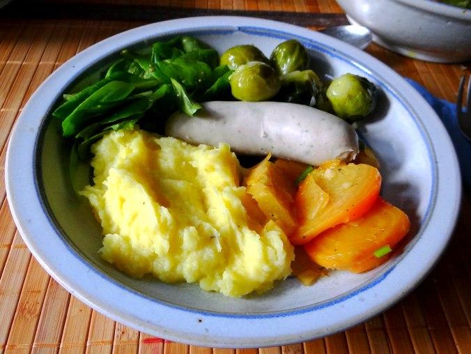 Weißwurst,Salate,Kartoffelstampf (13)