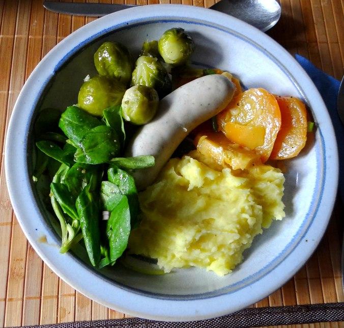 Weißwurst,Salate,Kartoffelstampf (2)