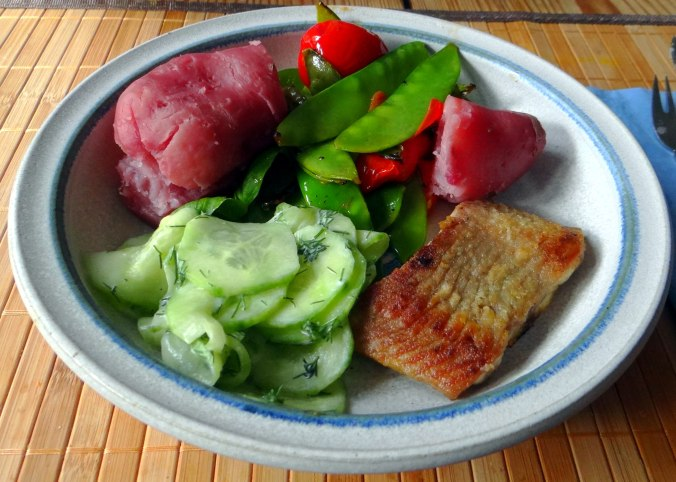 Wels mit roten Kartoffeln und Kaiserschoten (13)