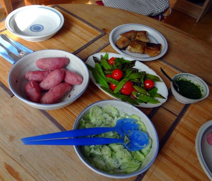 Wels mit roten Kartoffeln und Kaiserschoten (4)