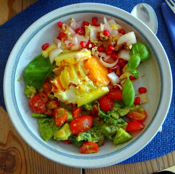 Kartoffelgratin,Avocadosalat,Chicoreesalat mit Granatapfelkernen (13)