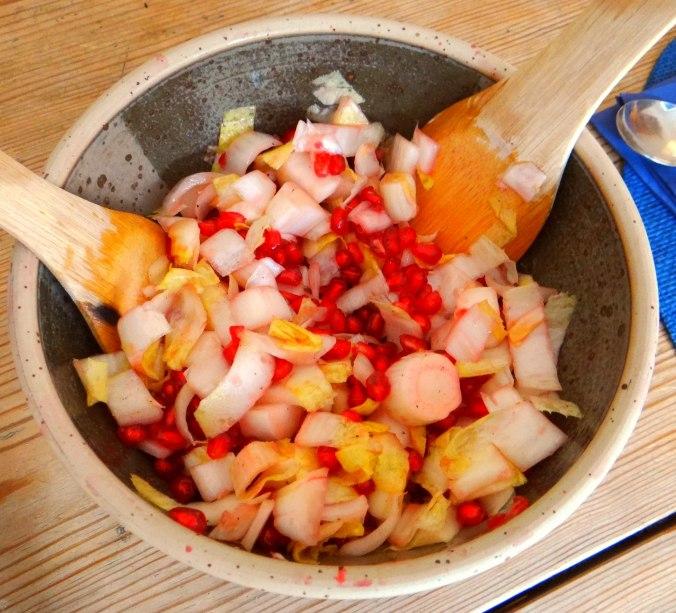 Kartoffelgratin,Avocadosalat,Chicoreesalat mit Granatapfelkernen (9)