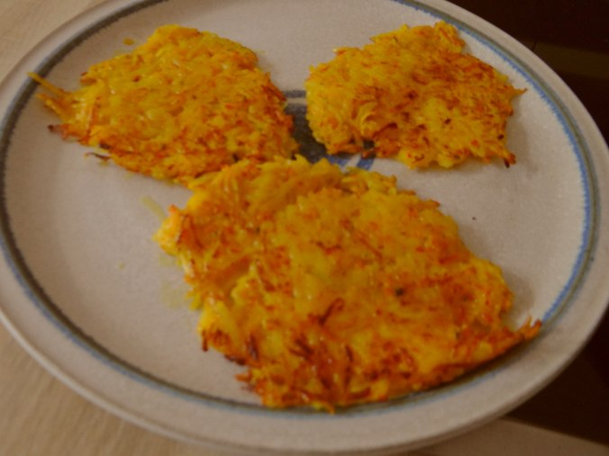 Kürbis-Kartoffel Puffer,Guacamole,Feldsalat (11)