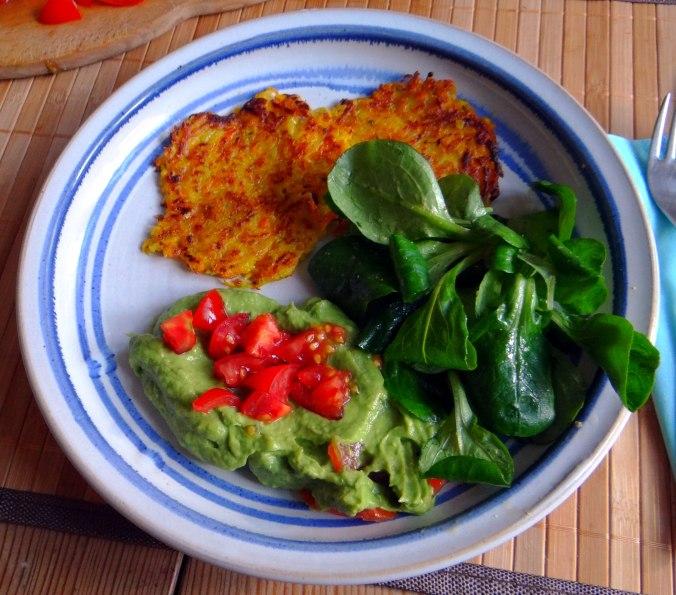 Kürbis-Kartoffel Puffer,Guacamole,Feldsalat (17)