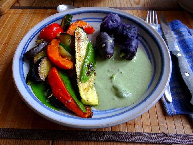 Ofengemüse,Lila Kartoffeln,Joghurt Dip (1)
