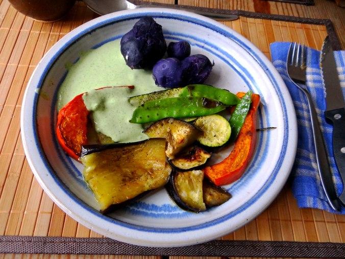Ofengemüse,Lila Kartoffeln,Joghurt Dip (2)