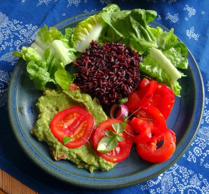 Reis,Guacamole,Pimientos,Salate,vegan (1)