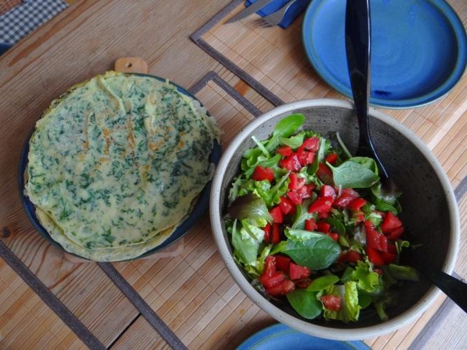 Eierpfannkuchen mit Spinat,Pflücksalat (4)